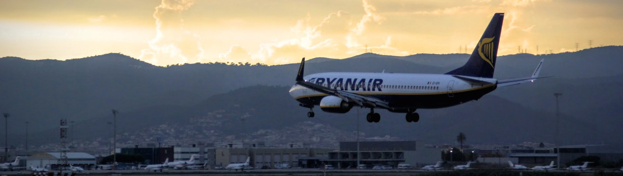 Find prices and the best time to book Ryanair flights from Malaga to all destinations from 8 €. The cheapest Ryanair deals at AirHint.